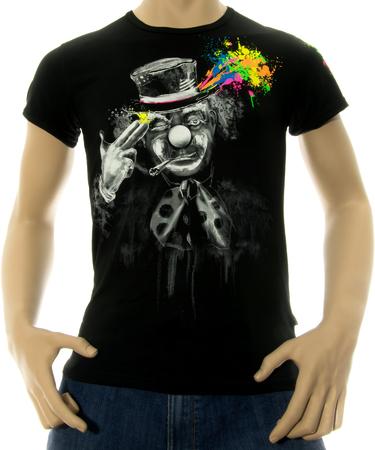На фото изображено Мужская футболка Free your mind черная
