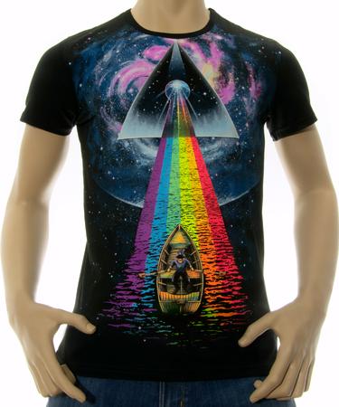 На фото изображено Мужская футболка Good stranger черная