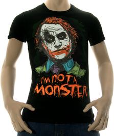 На фото изображено I am not a monster