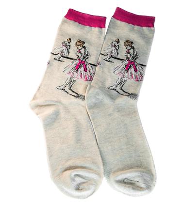 На фото изображено Носки «Балерина, завязывающая туфлю» - Эдгар Дега