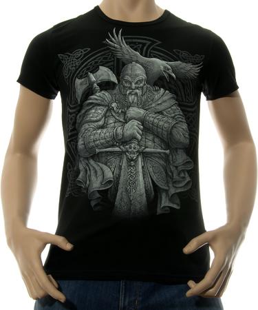 На фото изображено Мужская футболка Викинг черная