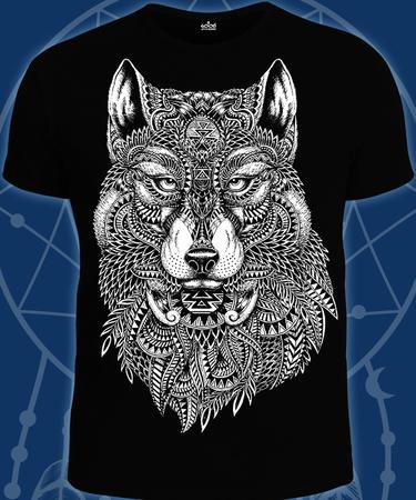 На фото изображено Мужская футболка Волк-Тотем черная
