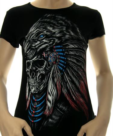 На фото изображено Женская футболка Шаман черная