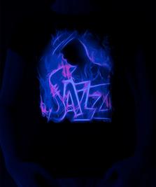 На фото изображено Jazz