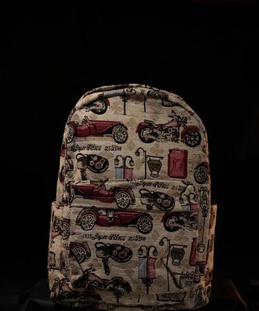 На фото изображено Гобеленовый рюкзак «Дизельпанк»