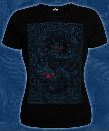На фото изображено Женская футболка Дух Воина черная