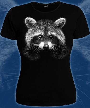 На фото изображено Женская футболка Енот черная
