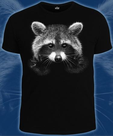 На фото изображено Мужская футболка Енот черная