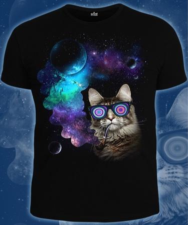 На фото изображено Мужская футболка Космический Кот черная