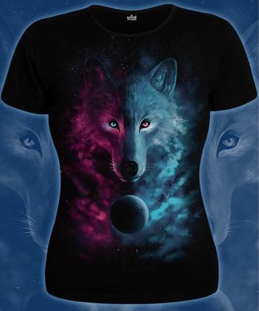 На фото изображено Женская футболка Космический Волк черная